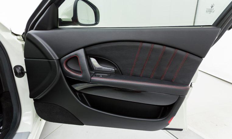 2012 Maserati Quattroporte Sport passenger front door picture