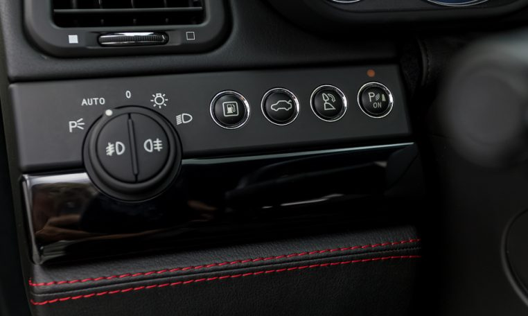 2012 Maserati Quattroporte Sport driver side light switch and controls closeup picture