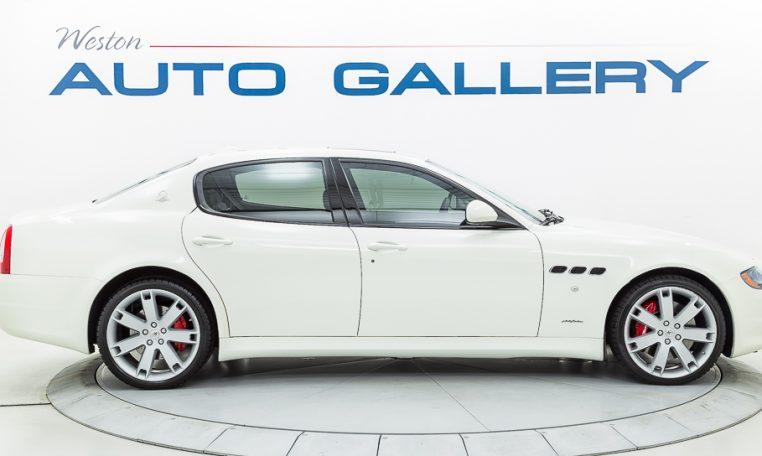 2012 Maserati Quattroporte Sport passenger side picture